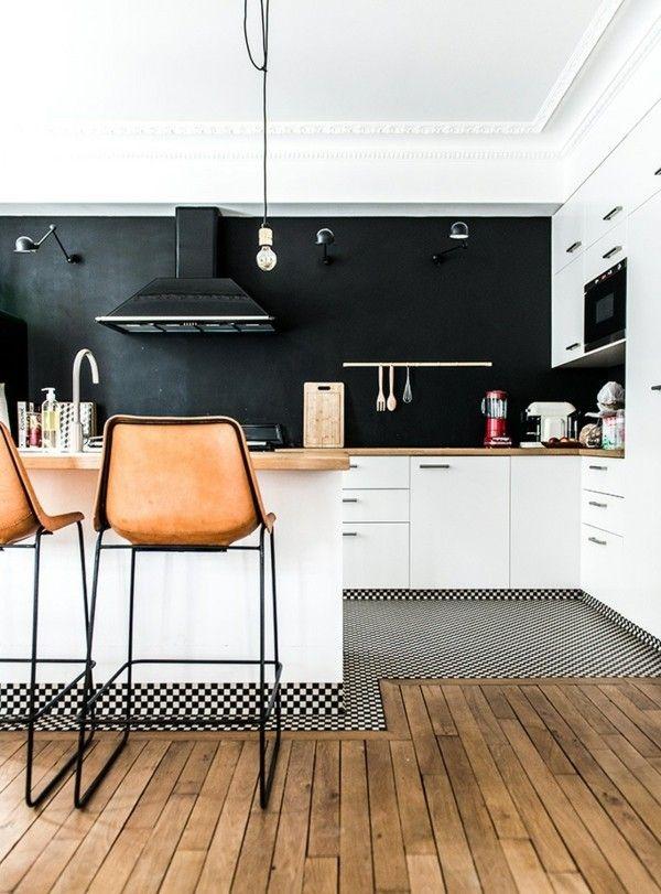 kuchenruckwand-schwarze-mobel