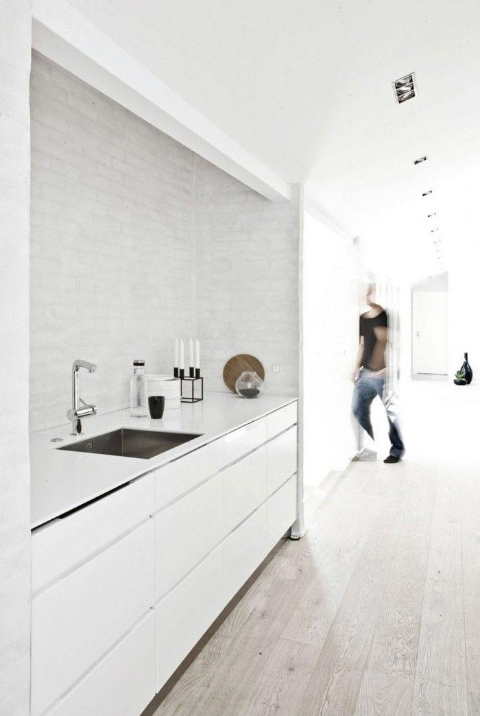 minimalistische-kuche-in-weis