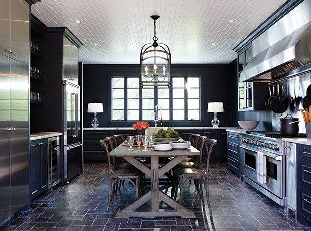 moderne-kuche-in-schwarz-hochglanz-moderne-kuchenausstattung
