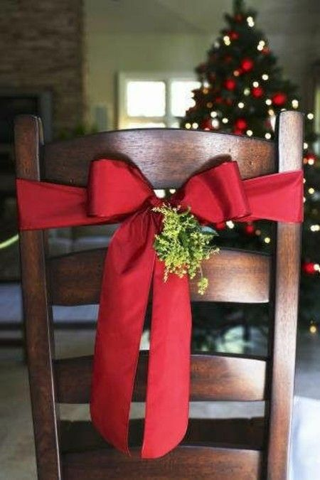 stuhldeko-weihnachten-weihnachtsschmuck