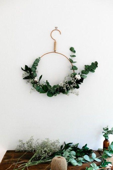 weihnachtsdeko-moderner-adventskranz-weihnachtsschmuck