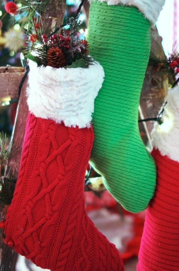 weihnachtsstrumpfe-rot-grun-kleine-uberraschungen