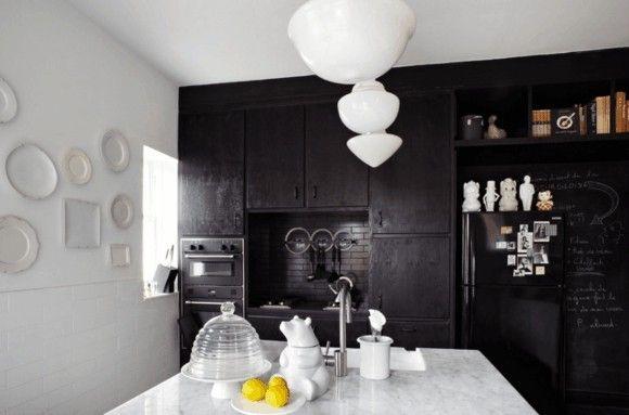 wohnbereich-kuche-in-schwarz-moderne-kuchen-bilder