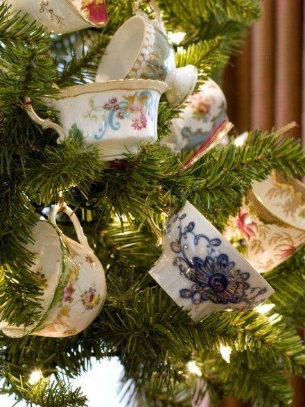 zeigen-sie-ihre-teetassen-am-tannenbaum