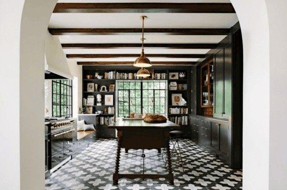 kuche-in-schwarz-kuchenmobel-moderne-kuchen-bilder