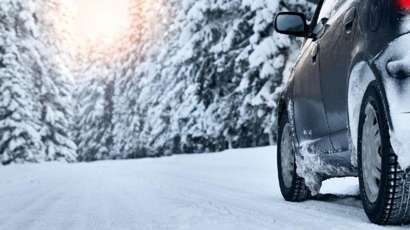 auto-fahren-im-winter-ist-eine-echte-herausforderung-fur-alle-autofahrer