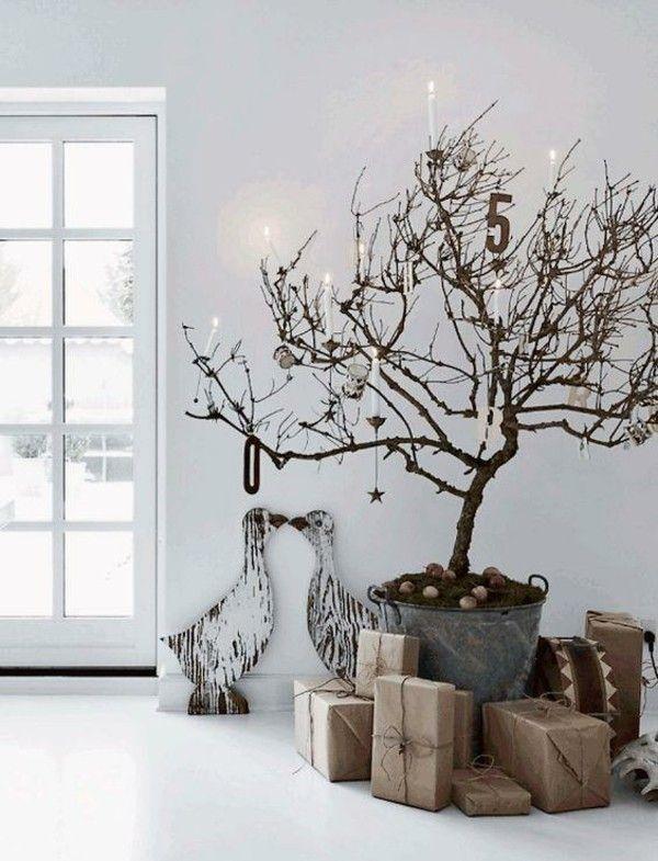 baum-im-topf-geschmuckt-weihnachtsbaum