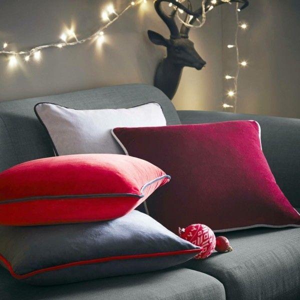 kissen-gardinen-tagesdecken-und-polstermobel-aus-samt-die-in-schonen-farben-schimmern-machen-dein-zuhause-wunderbar-gemutlich