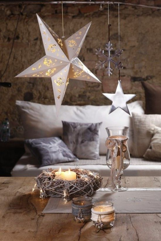 minimalismus-wohnzimmer-dezente-weihnachtsdekoration