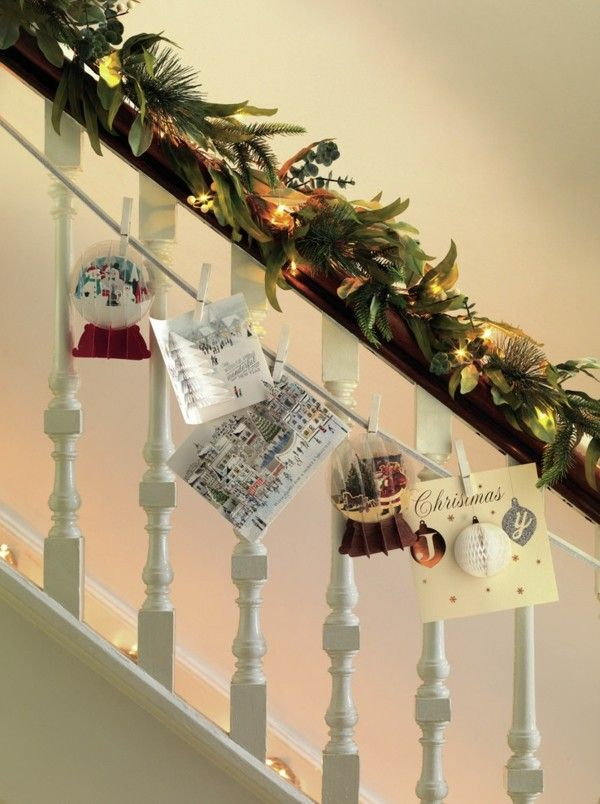 treppenhaus-dekoriert-weihnachtskarten