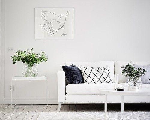 wande-weis-weises-sofa