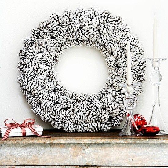 weihnachtskranz-dekoriert