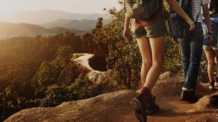 Gesundheit- Horoskop 2017 Skorpion Urlaub Waldwanderungen in den Bergen