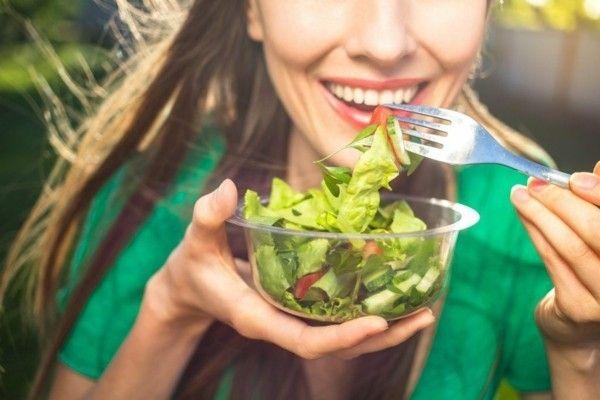 frische-salate-gesundes-tagesmenu-fit-bleiben-gesund-leben