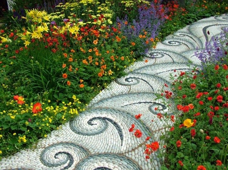 Gartenweg anlegen Mosaik Blau grau