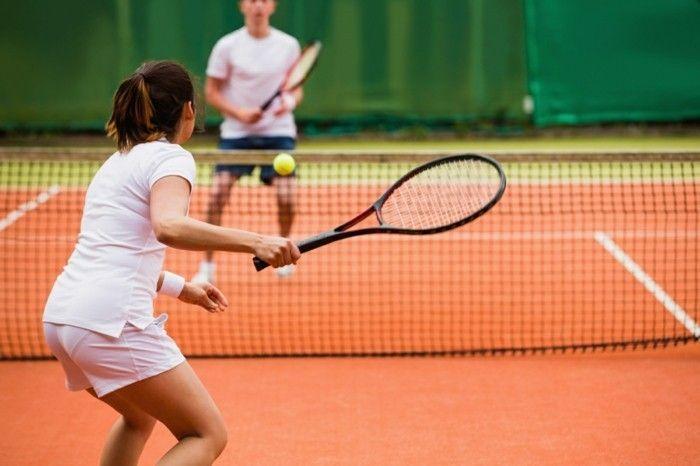 Gesundheit- Horoskop Jungfrau Tennis spielen passende Sportart - intelligent