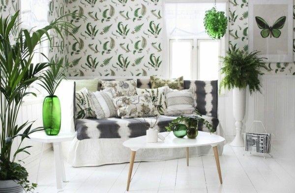 Große Zimmerpflanzen oder frische Blumen in der Bagua Zone der Familie