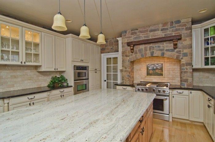 Moderne Küche Steinwand