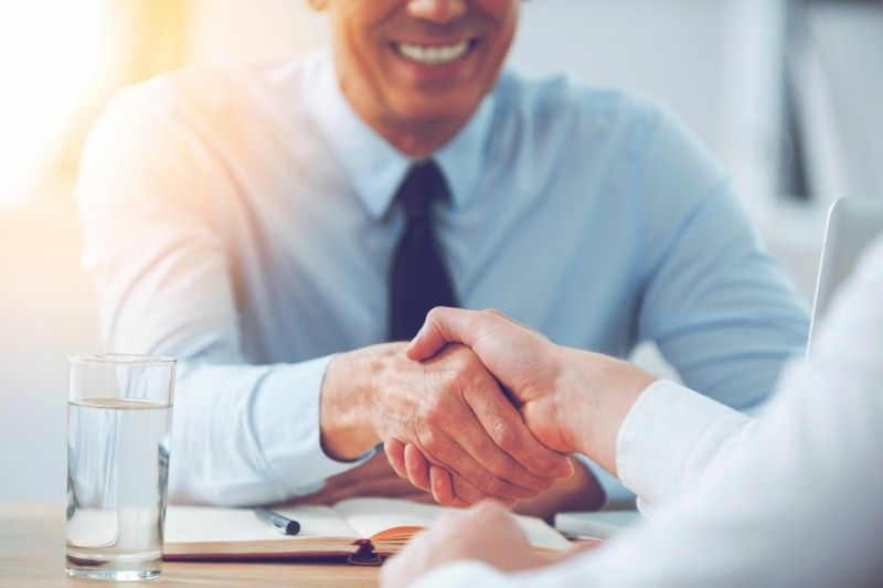 im Job neue Erfolge –Geld sich freuen