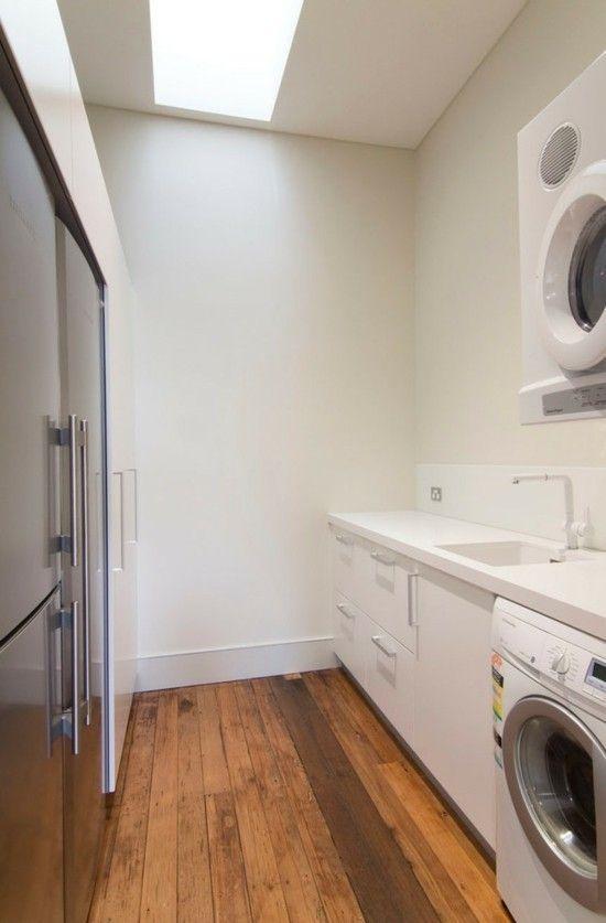 moderne Waschküche Holzboden