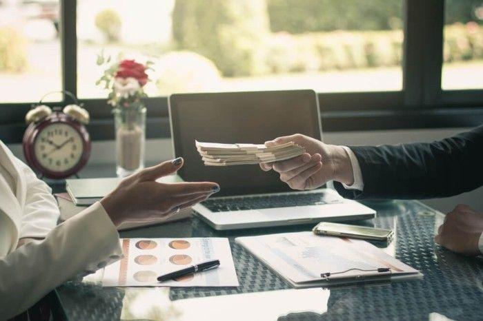 viel-arbeiten-zusatzliches-geld-verdienen-gehaltserhohung