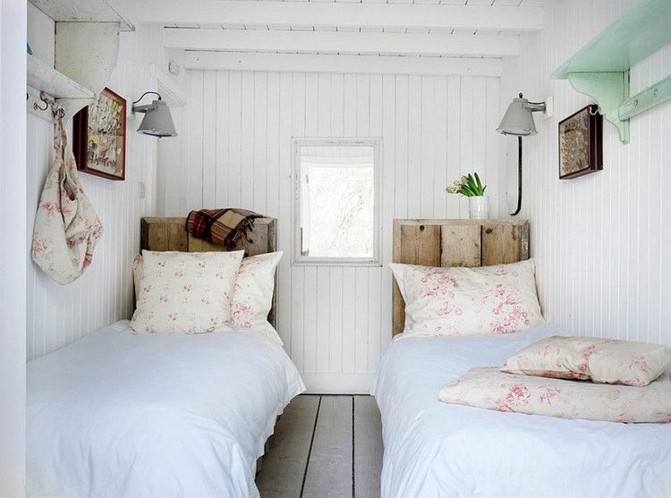 schlafzimmer deko ideen f r das kopfbrett aus holz. Black Bedroom Furniture Sets. Home Design Ideas