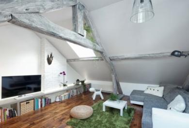 Wohnzimmer auf dem Dachboden – echtes Symbol für ...