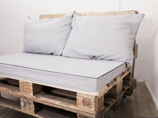 sofa aus paletten - ein praktisches möbel für drinnen und draußen, Hause deko