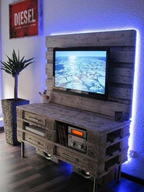 Möbel aus Paletten Wand Fernseher