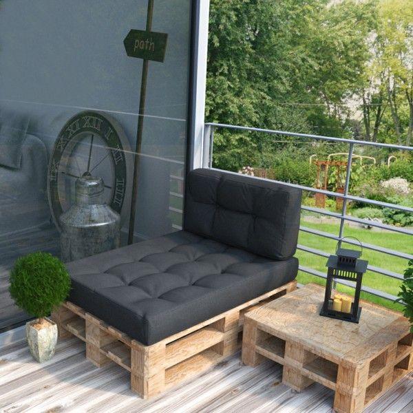 sofa aus paletten ein praktisches m bel f r drinnen und drau en. Black Bedroom Furniture Sets. Home Design Ideas