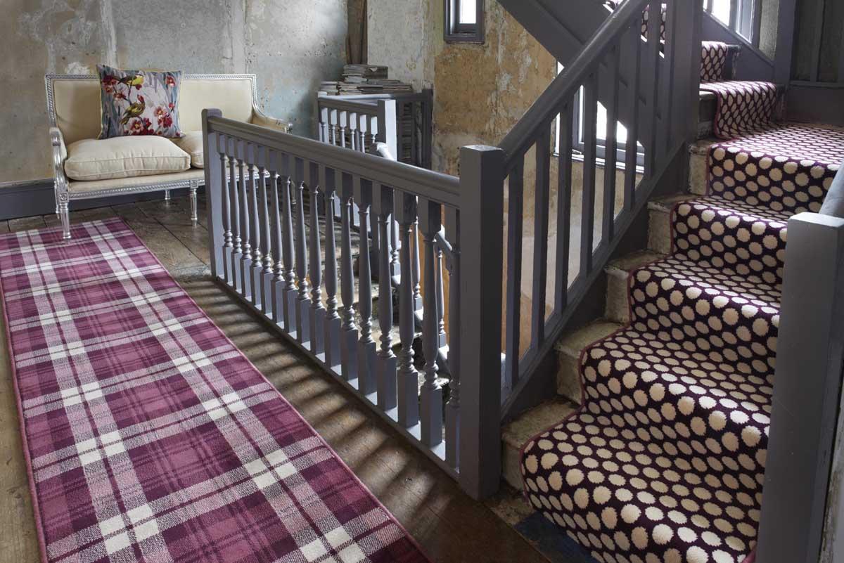treppenteppich tipps und tricks der modernen treppenhausgestaltung. Black Bedroom Furniture Sets. Home Design Ideas