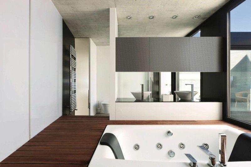 modernes Badezimmer mit whirlpool badewanne