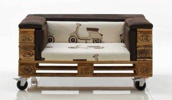 Sofa aus Paletten - ein praktisches Möbel für drinnen und draußen ...