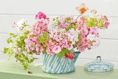 blumendeko zu ostern lassen sie die fr hlingsblumen ihre nat rliche sch nheit entfalten. Black Bedroom Furniture Sets. Home Design Ideas