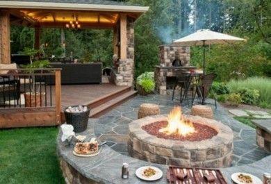 Terrasse Feuerstelle offene feuerstelle im garten spüren sie die wärme und magie des