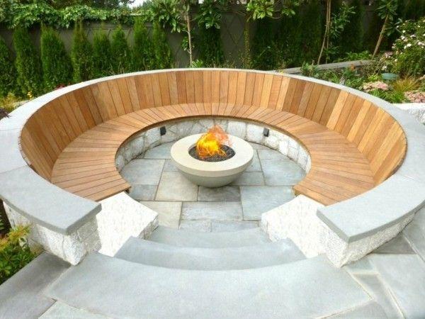Offene Feuerstelle im Garten - spüren Sie die Wärme und Magie des ...