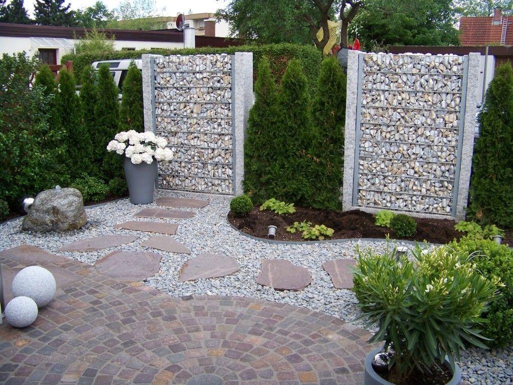Gartengestaltungsideen Geometrische Anordnung Kreis Geformt Sehr  Auffälliges Gartendesign Splitt Steine Betonplatten