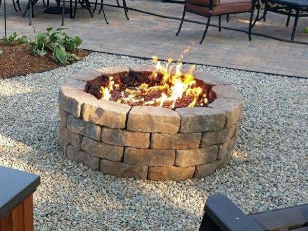 Feuerstelle Mauern offene feuerstelle im garten spüren sie die wärme und magie des