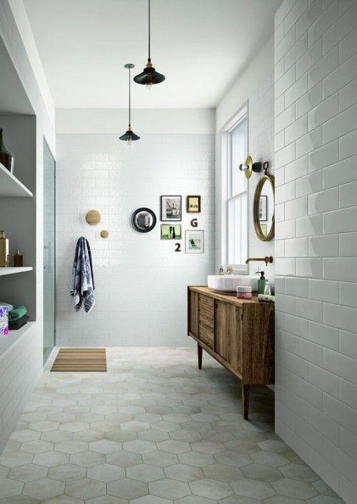Gro es badezimmer gestalten clevere tipps und praktische for Fliesenauswahl badezimmer