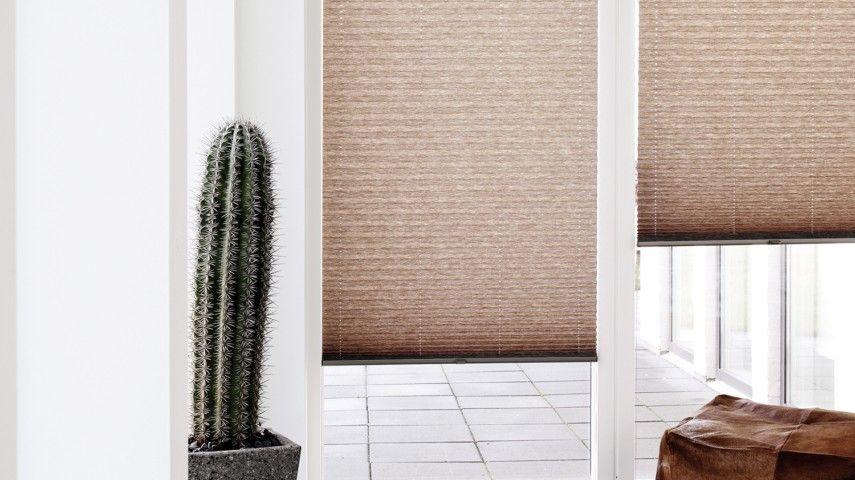 plissee und vorhang vorhnge avec schiebe plissee. Black Bedroom Furniture Sets. Home Design Ideas