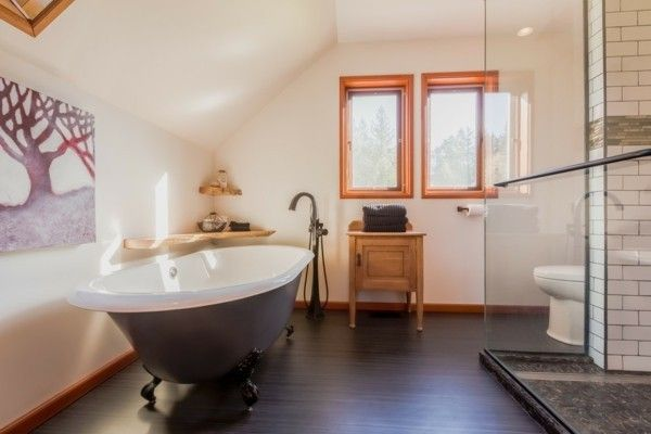 badezimmer im bauernhofstil bieten frische und gelassenheit. Black Bedroom Furniture Sets. Home Design Ideas