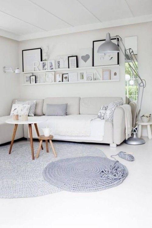 Regal hinter Sofa spart Platz und schafft neues Raumgefühl ...