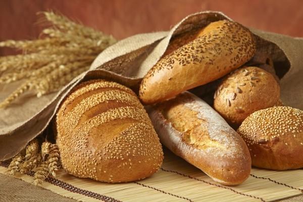 Brot Im Kühlschrank Aufbewahren : 50 lebensmittel die nicht im k hlschrank aufbewahrt ~ Watch28wear.com Haus und Dekorationen