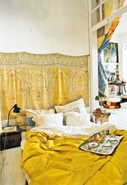 Marokkanisches Schlafzimmer Sonnengelb bringt den Raum zum Strahlen