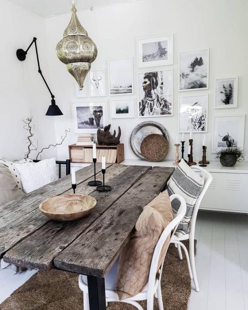 Boho Chic im Esszimmer rustikaler Esstisch altes Holz