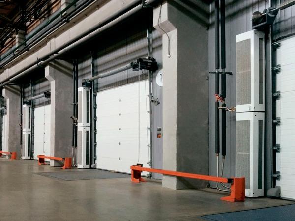Luftschleier – Gute Klimazonentrennung im Betriebsbereich geht so garage schnelllauftore vorhänge