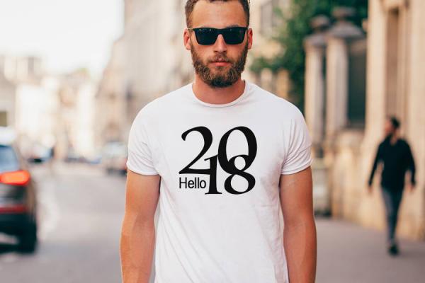 T-Shirt selbst gestalten weißes Basic beschriftet ein auffälliges Statement-Piece